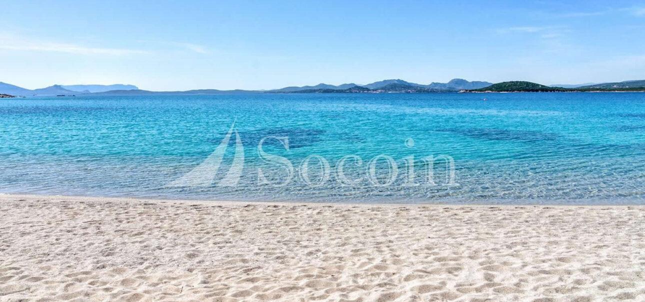 Villa in vendita in Costa Smeralda con accesso diretto al mare